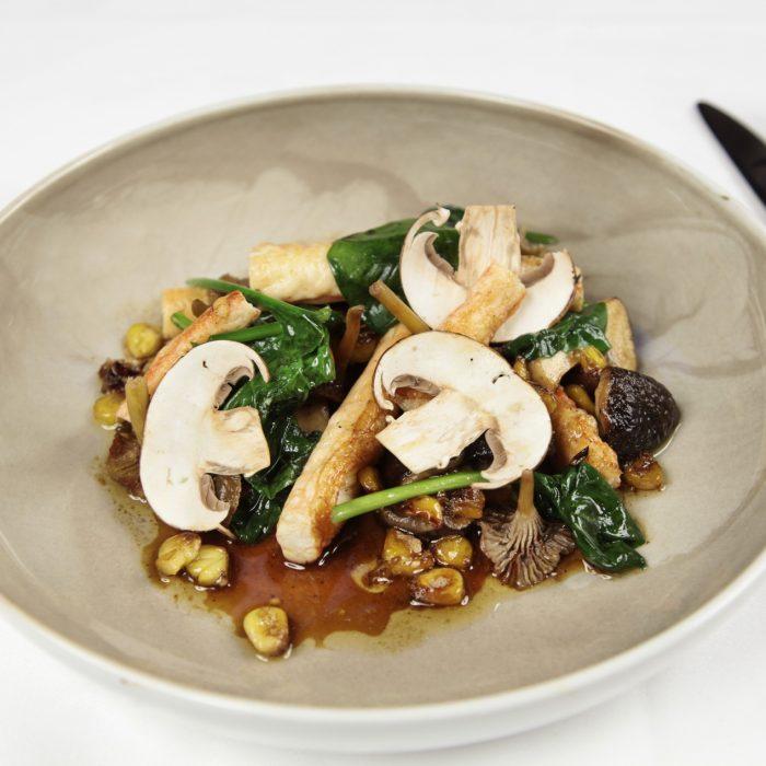 Snøkrabbe med sopp, mais og soyasjy